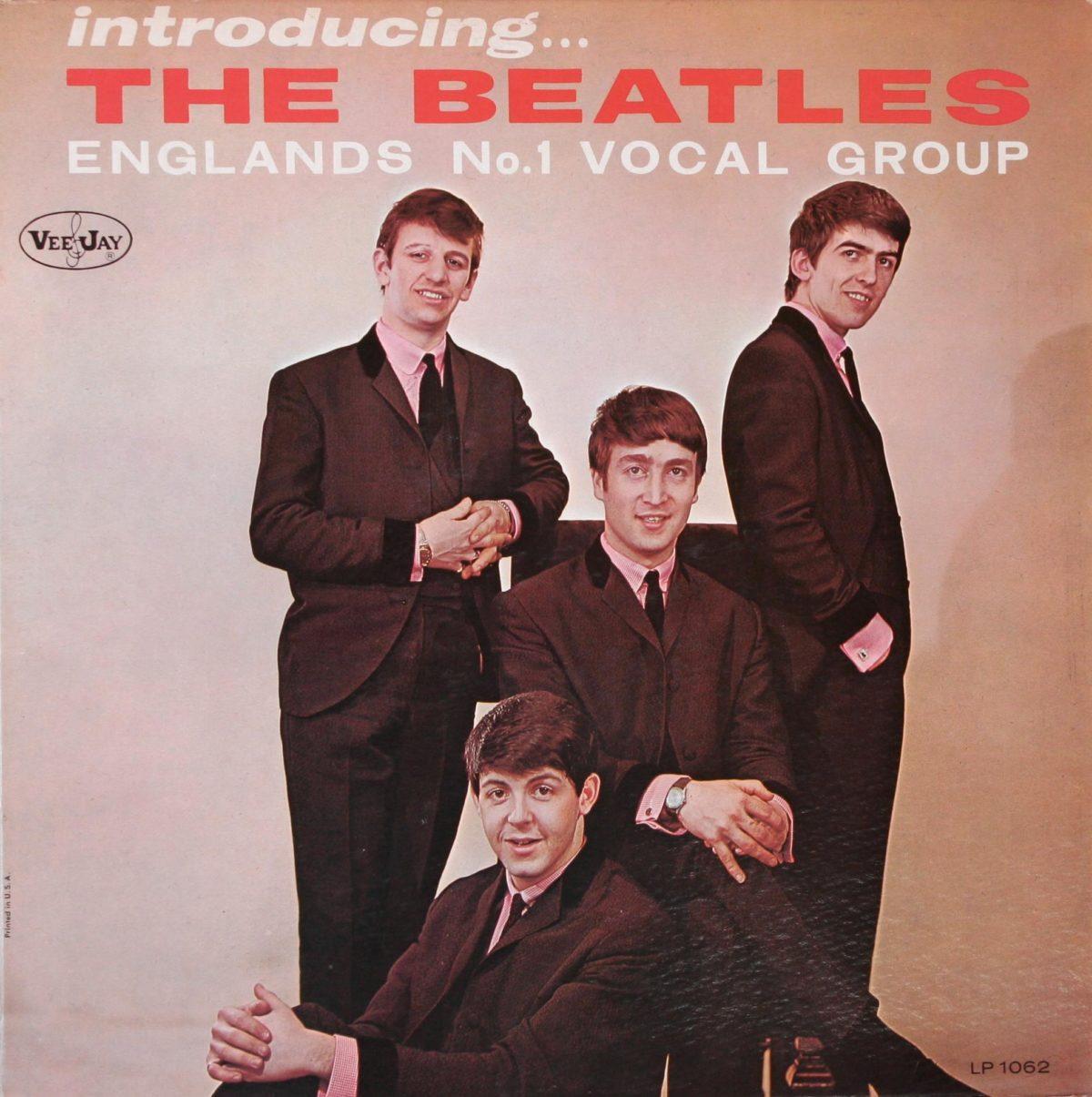 The Bearles - Introducing The Beatles. Я держал эту пластинку в руках, и честно сказать большого желания оставлять её в коллекции у меня не возникло. По двум причинам: парни на обложке покрашены хной в неприятный темно рыжий цвет. В эру моей юности советские тетки закрашивали этим красителем (за отсутствием альтернативы) раннюю, да и позднюю седину.
