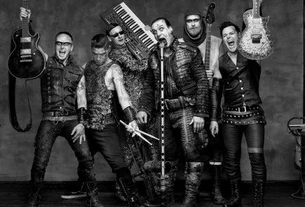 Rammstein поделились фото со съёмок нового клипа
